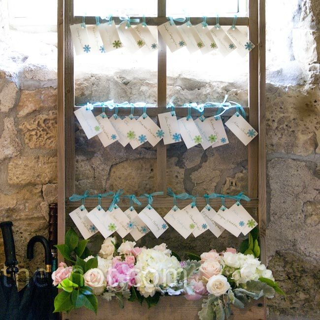 Wedding Flowers Red Wing Mn : Trellis escort card display