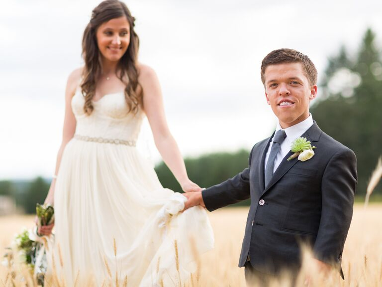 Watch little people big world stars prep for their wedding tori patton and zach roloff on their wedding day junglespirit Image collections