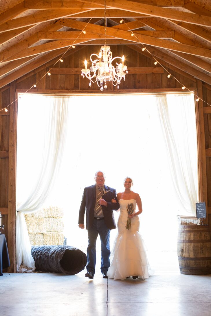 A Casual Rustic Wedding At The Barn In Zionsville In