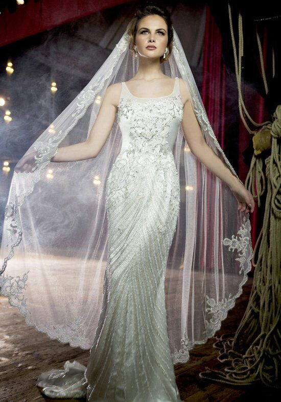 Stephen Yearick KSY63 Wedding Dress photo