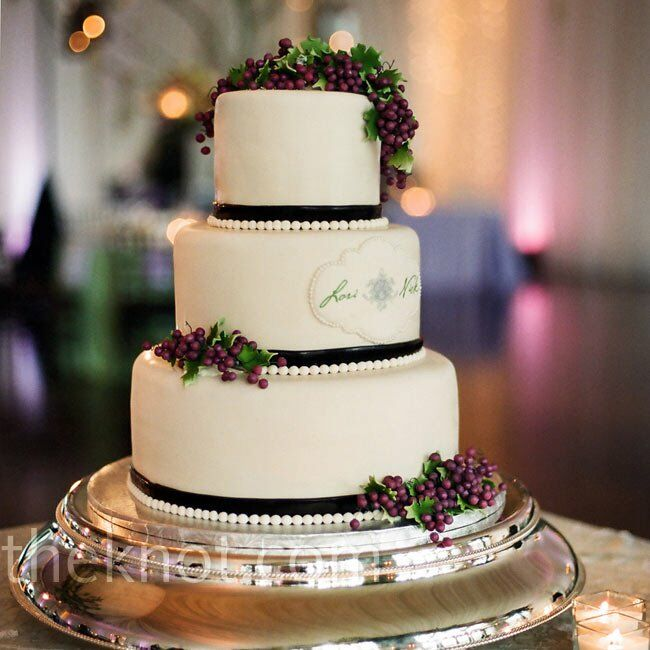 vineyard themed wedding cakes vineyard themed wedding cake 21598