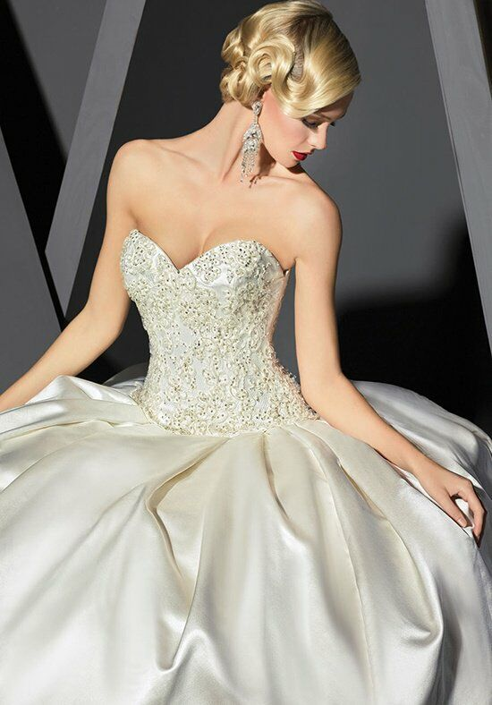 Victor Harper Couture VHC276 Wedding Dress photo