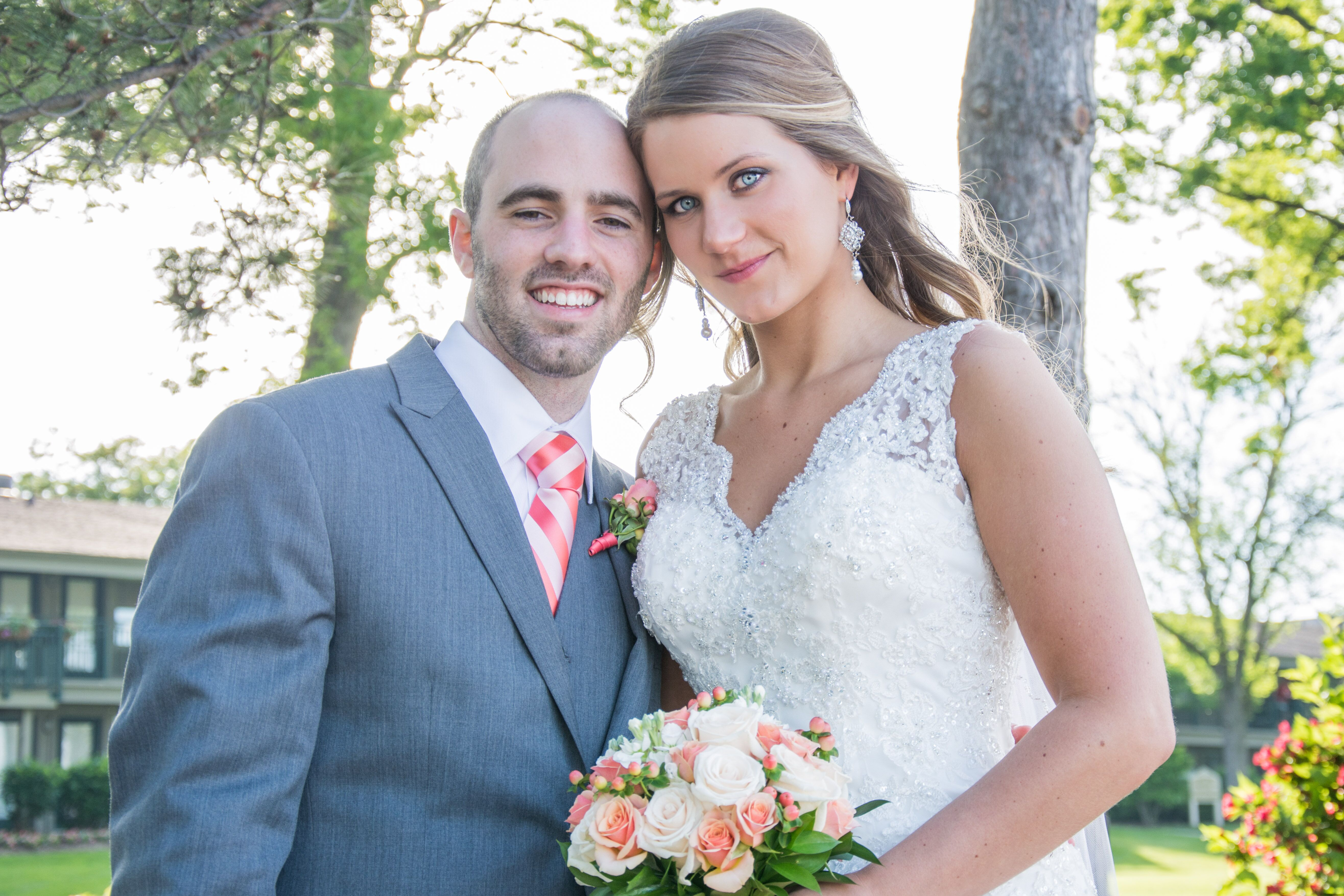 A Contemporary Summer Wedding at the Abbey Resort in Fontana, Wisconsin