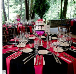 Pink reception decor for Deco table rouge et noir