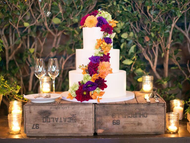 Rustic fresh flower wedding cake