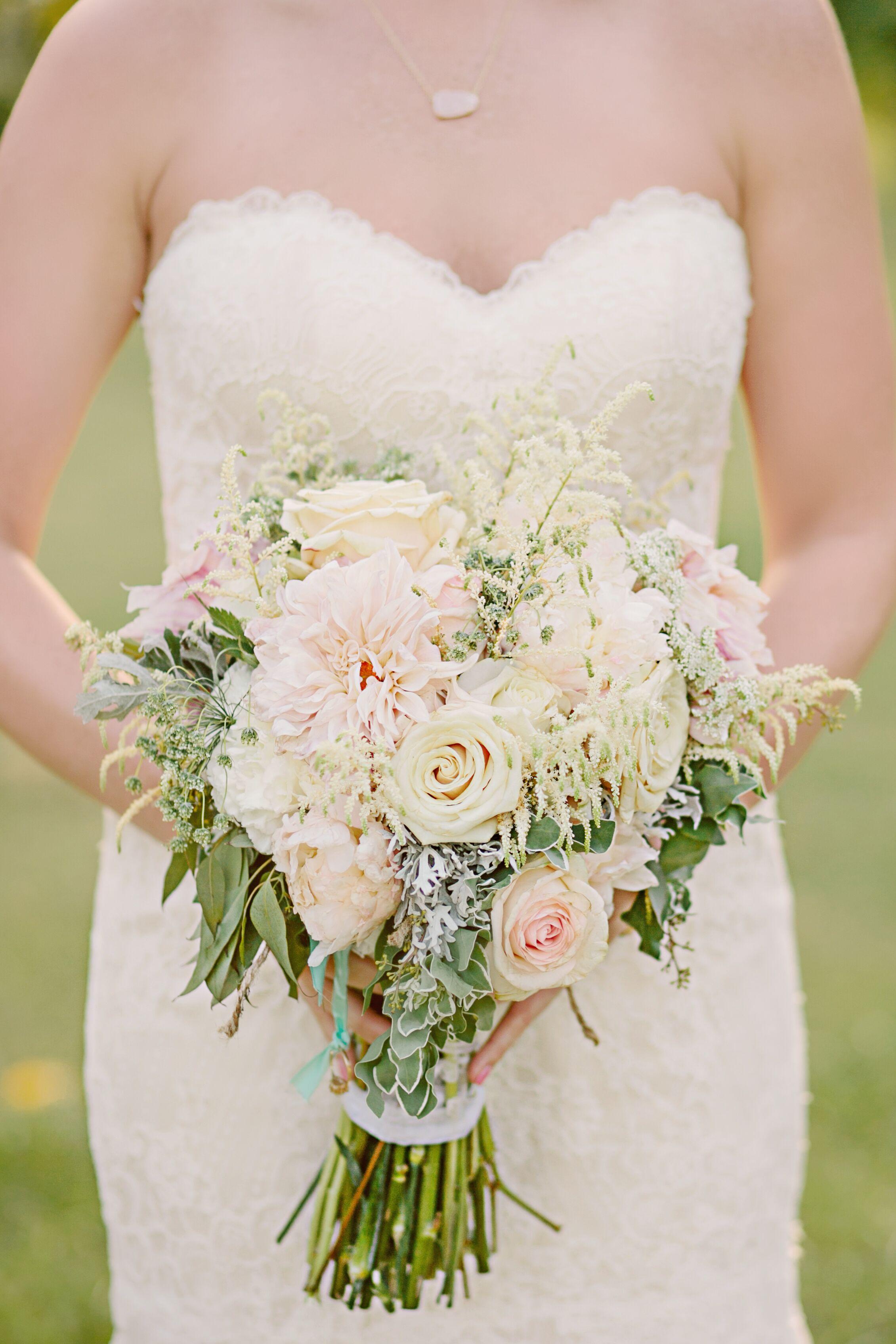 Romantic Hotel Room Ideas: Blush And Ivory Romantic Bridal Bouquet