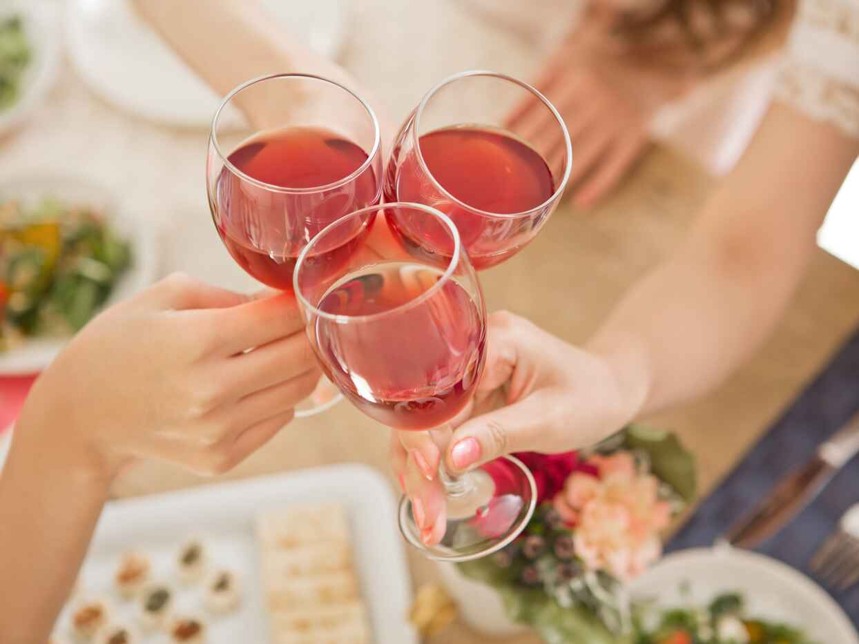 Throw A Wine Tasting Bridal Shower Bash