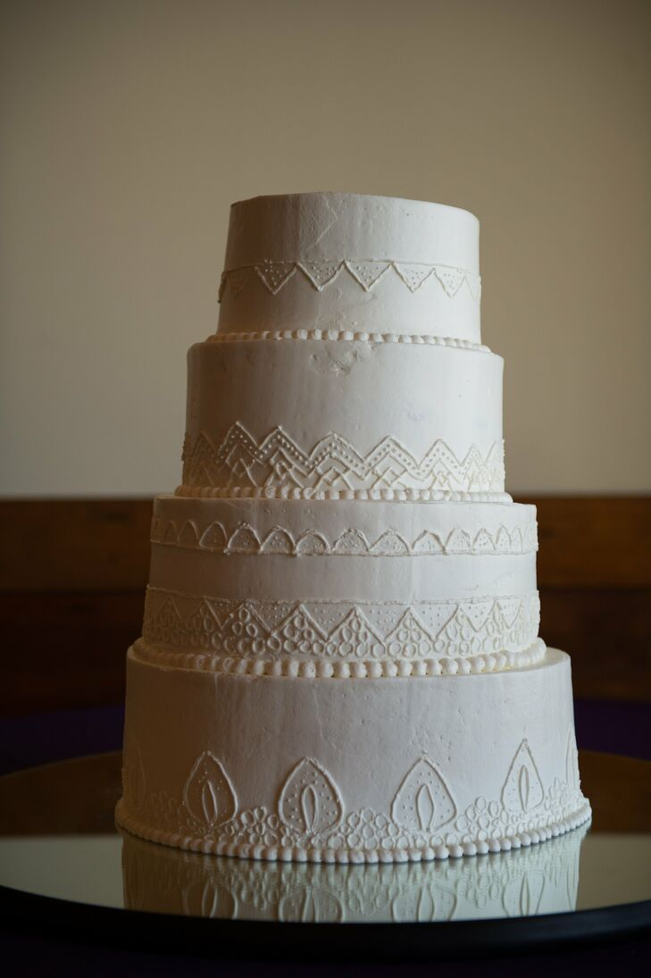 simple piping designs for wedding cakes simple cake with white geometric piping 20004