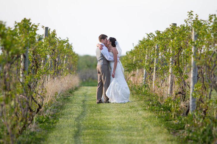 An Rustic Diy Vineyard Wedding At Becker Farms Vizcarra Vineyards In Buffalo New York