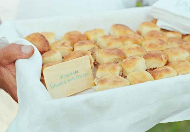 Fat Tuesday-inspired catering ideas for your wedding: Liz Banfield Photography / TheKnot.com