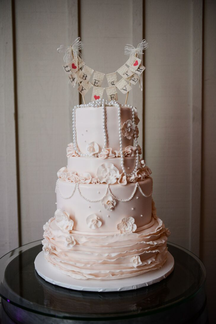 best wedding cake makers nyc a rustic vintage wedding at bedell cellars in cutchogue 11490