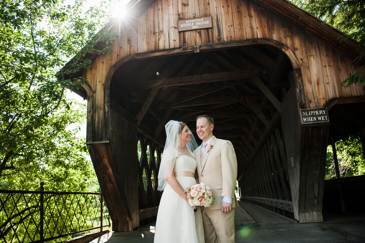 Although they live in Boston, Lori and Matt decided to hold their wedding at the Woodstock Inn in Woodstock, Vermont, close to where Matt went to coll