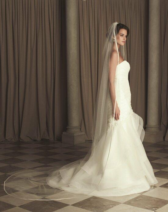 Paloma Blanca Veils Collection V444CT Wedding Veils photo