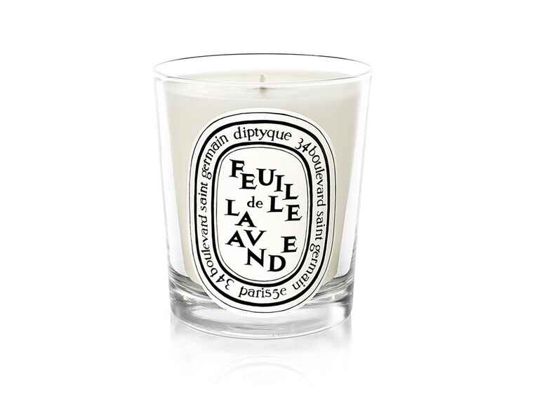 Lavender Diptyque candle for relaxtion