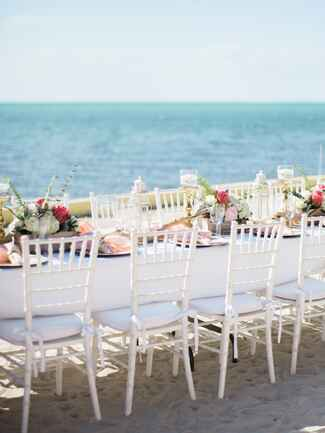 Beachside reception table