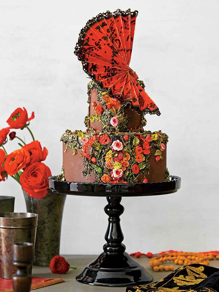 'Don Quixote'–inspired chocolate wedding cake