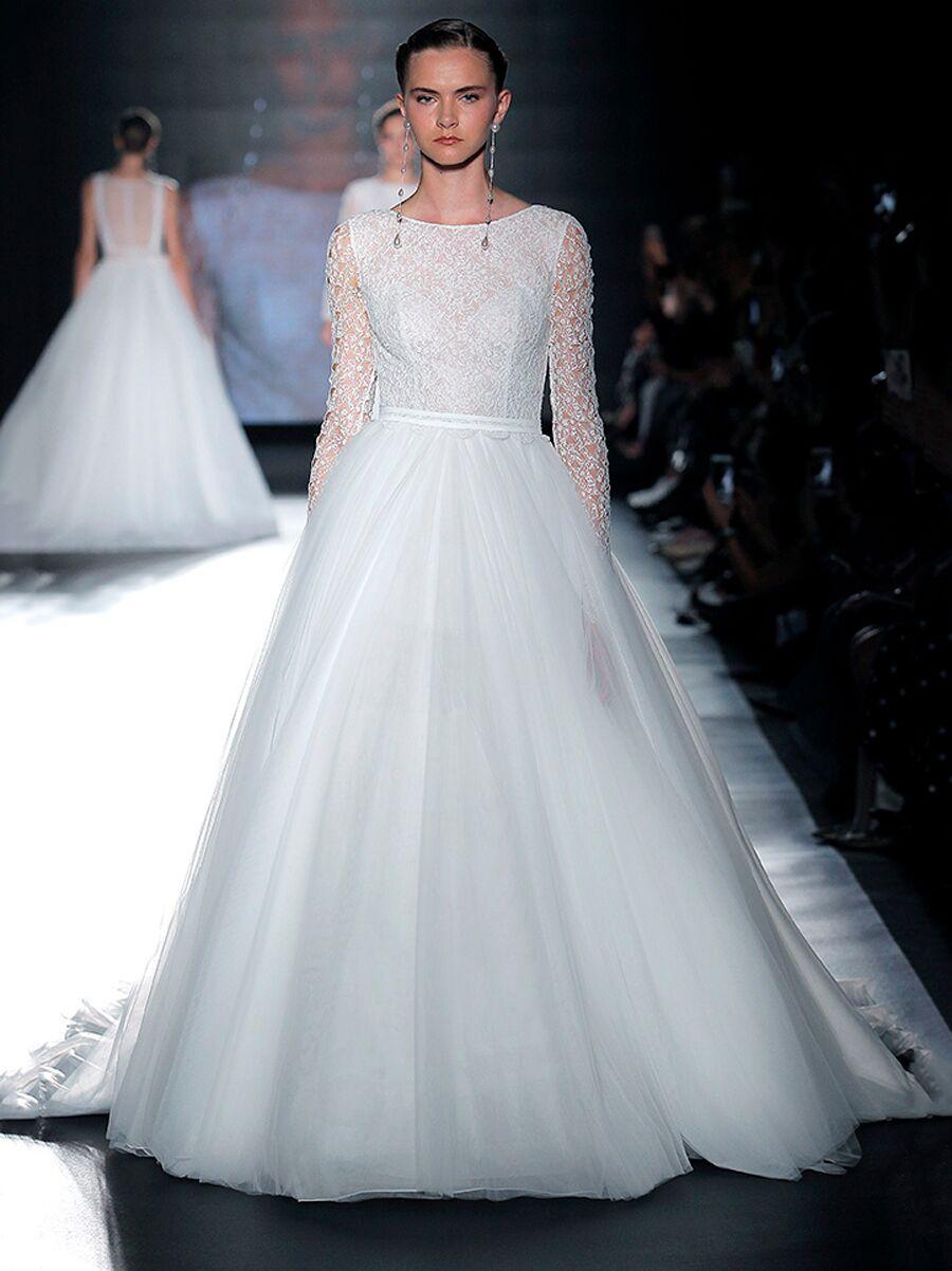Rosa Clará 2019 Collection: Bridal Fashion Week Photos