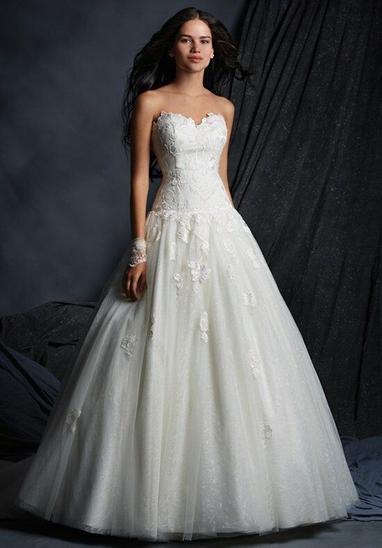 Alfred Angelo Signature 2517 Wedding Dress photo