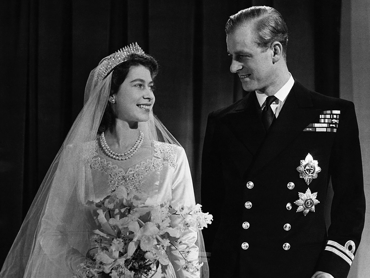 Traditional English Wedding Gifts: British Royal Wedding Traditions Meghan Markle Needs To Know