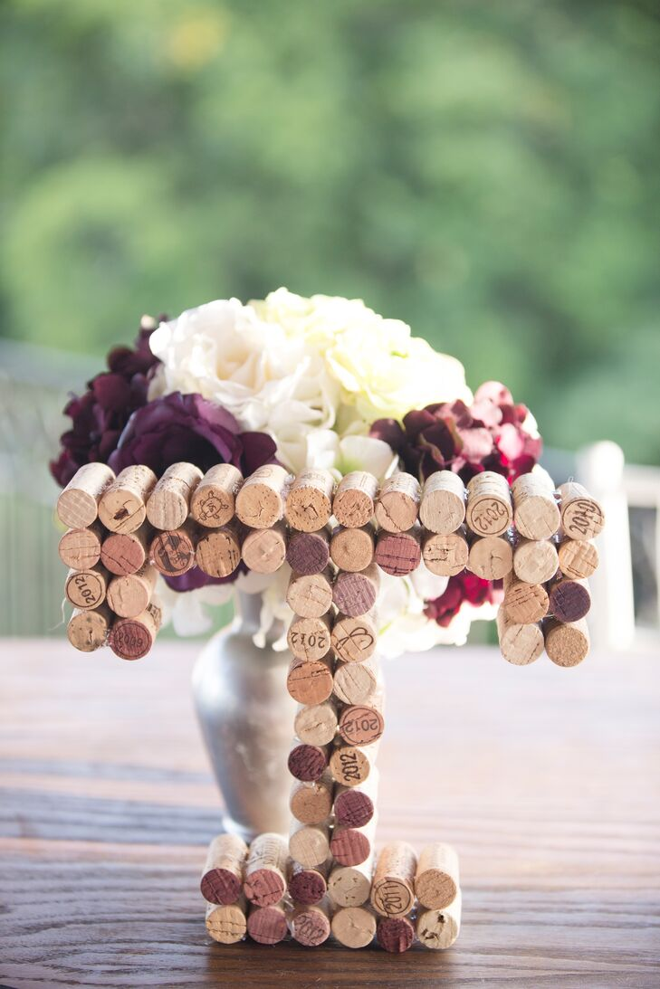 Wine cork initial decor for Decorating with wine corks
