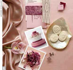 Blush and mauve wedding accessories