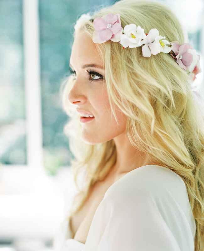 Beachy Wedding Hairstyles: 3 Gorgeous Hairstyles For Your Wedding Day