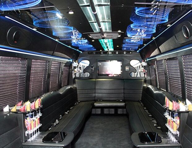 On The Town Limousines Inc Frederick Md