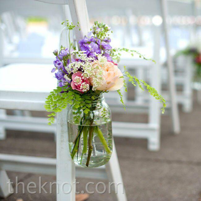 Wedding Flowers In Mason Jars: Mason Jar Aisle Decor