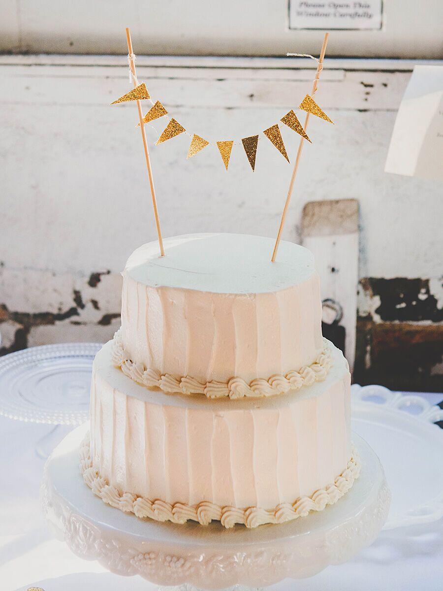 15 awesome diy wedding cake topper ideas solutioingenieria Choice Image