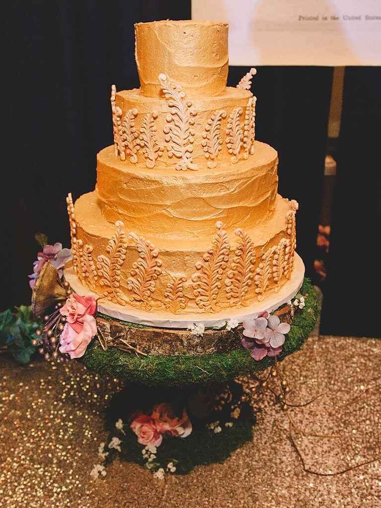 Creative Winter Wedding Cake Ideas
