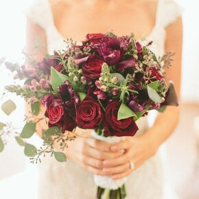 Winter wedding bouquets red bridal bouquet junglespirit Image collections