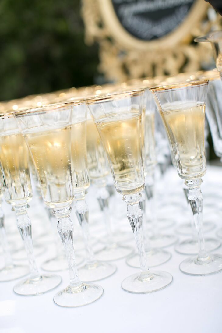 Amanda's grandfather is actor and winery owner Fess Parker, so guests were treated to a glass of the new Fess Parker sparkling white wine before the ceremony.