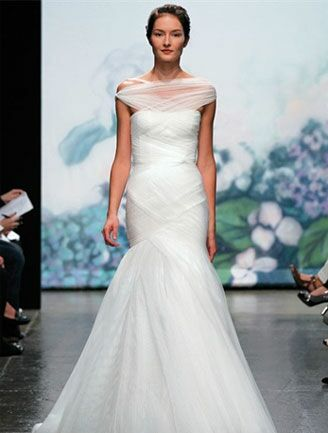 Anne hathaways wedding dress look alikes monique lhuillier off the shoulder gown junglespirit Gallery