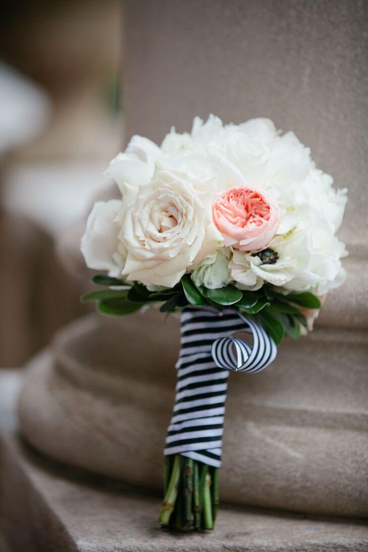 White bridesmaid bouquet izmirmasajfo
