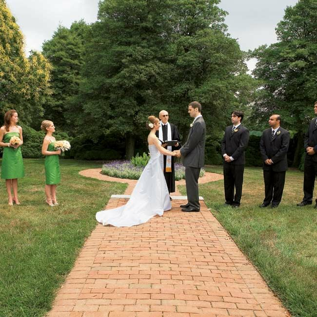 Alexis And Phil Married In An Outdoor Ceremony Front Of Montpelier Mansion The