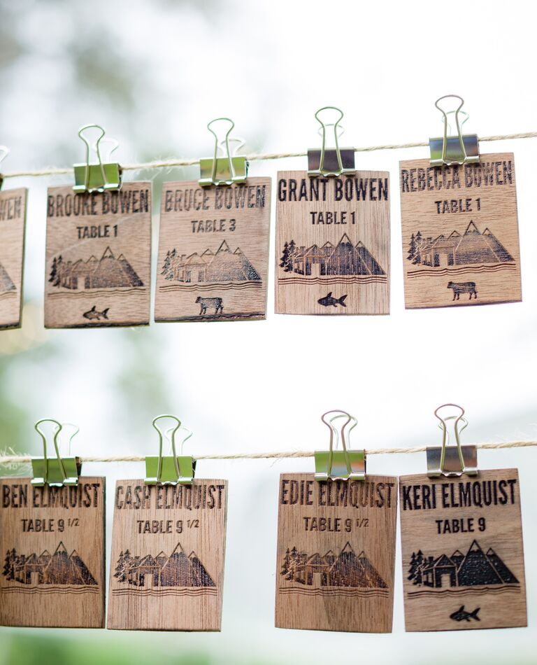 Woodgrain escort cards