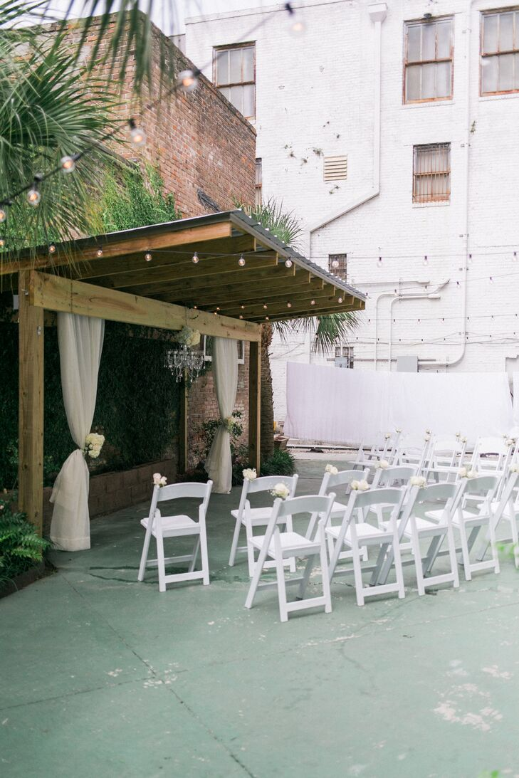a romantic diy wedding at corks u0026 cleaver bistro in gulfport