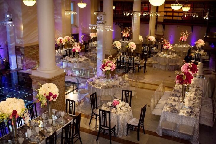 A mix of round and rectangular tables broke up the cavernous Guastavino Room.