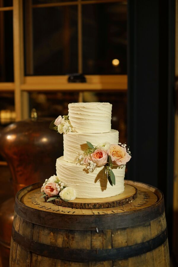 Romantic Ivory Wedding Cakes + Desserts