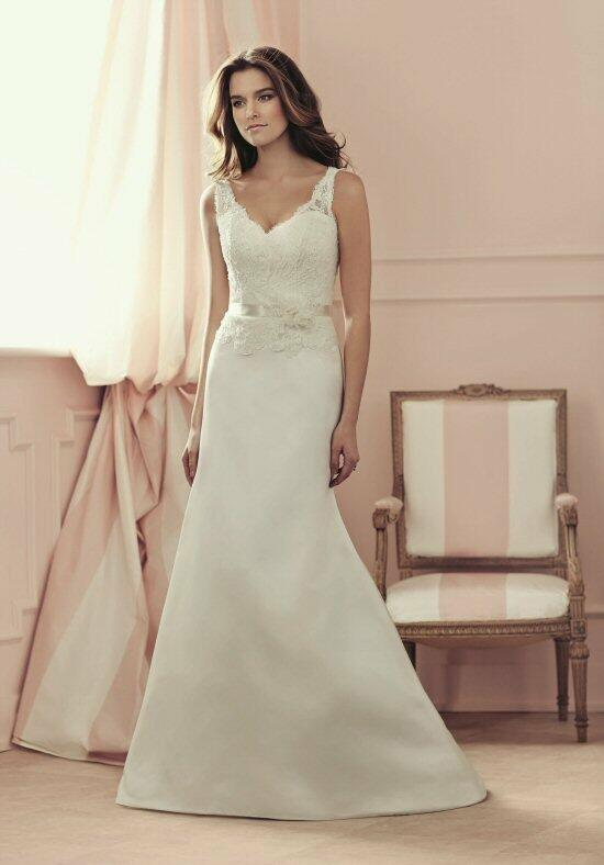 Paloma Blanca 4500 Wedding Dress photo