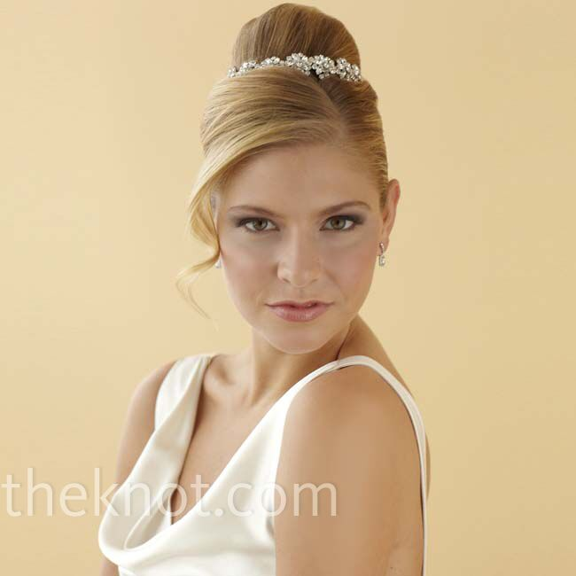 top knot wedding hairstyle