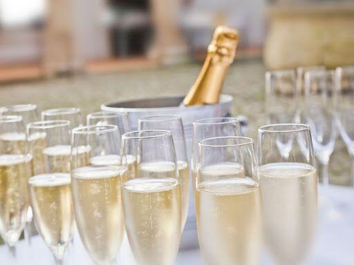 Gifts For Wedding Party Etiquette: Engagement Party Etiquette 101