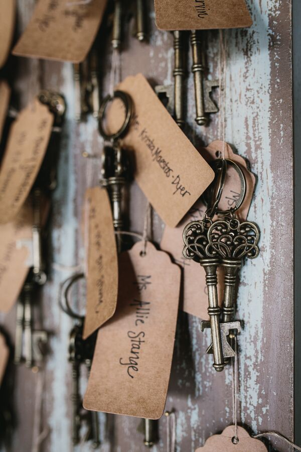 Kraft Paper and Vintage Key Escort Cards