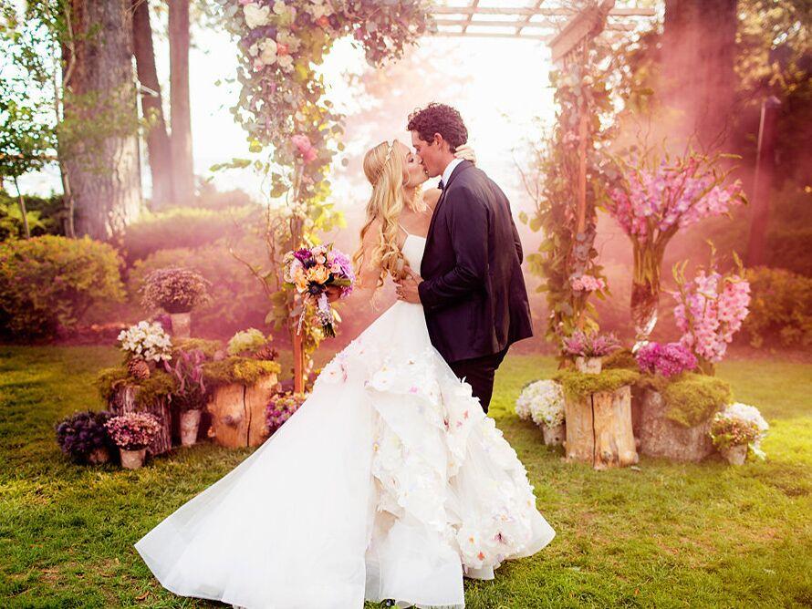 Hunter McGrady Wants to Transform Wedding Dress Shopping for All