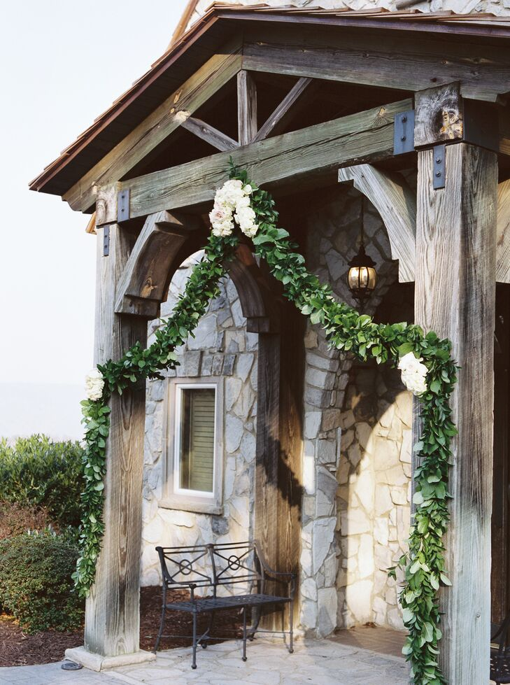 Greenery Garland at Glassy Chapel of The Cliffs Entrance