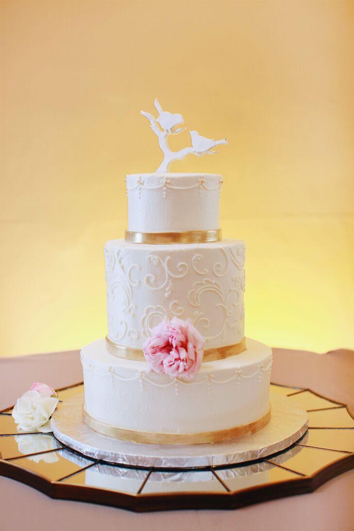 Vintage-Inspired Cake