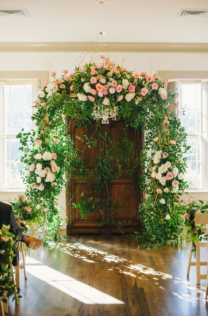 A Classic Wedding at River Oaks Garden Club Forum of Civics in