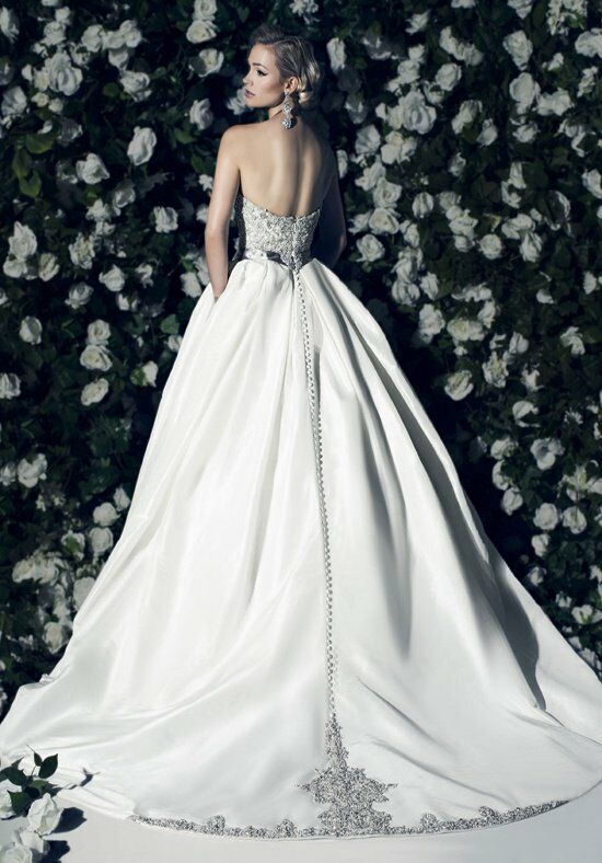 Victor Harper Couture VHC296 Wedding Dress photo