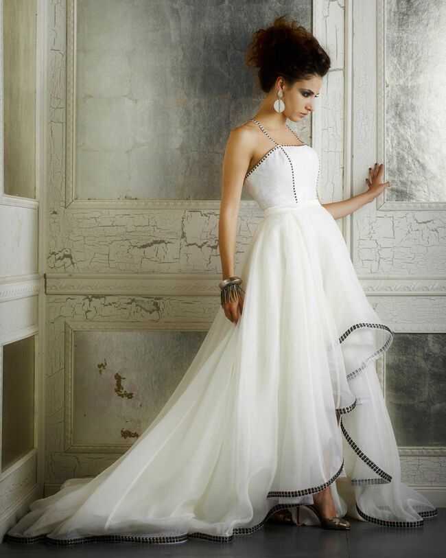5 wedding dresses for ashlee simpson della giovanna featured the knot blog junglespirit Choice Image