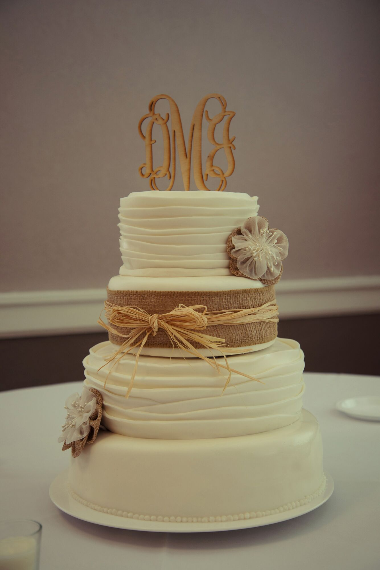burlap wedding cake decorations rustic wedding cake with burlap and straw ribbon and 12256